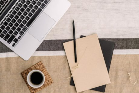 The ultimate beginner's guide to building a successful freelance writing business from start to finish