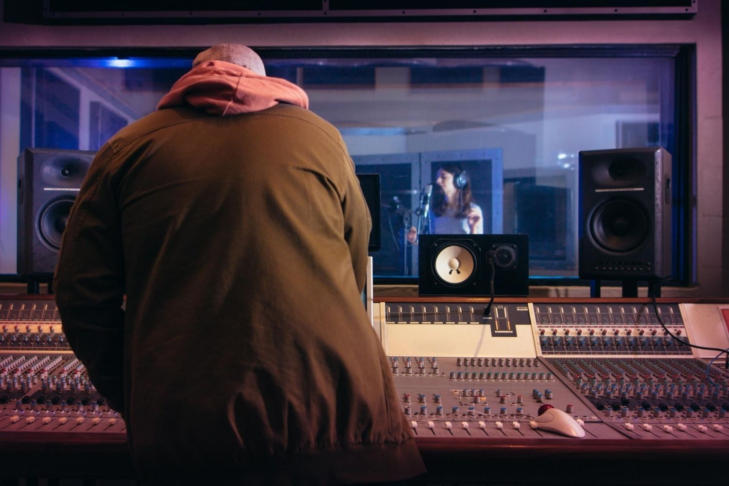 Create a career in music business through entrepreneurship and find a worldwide market for music jobs