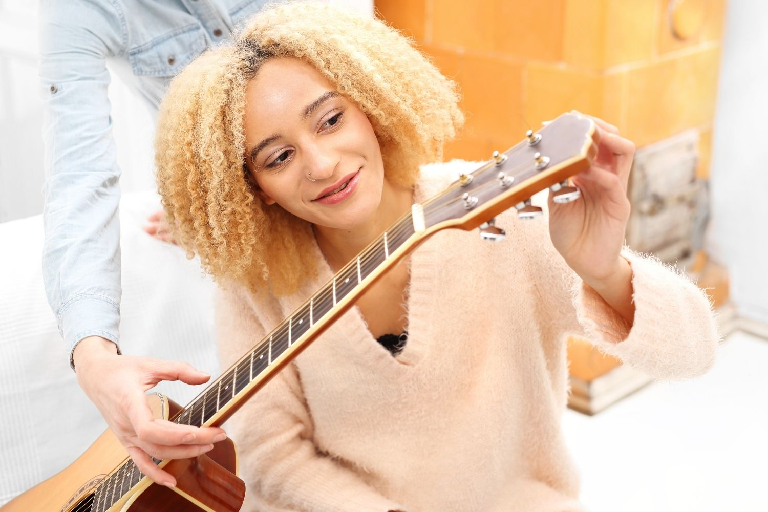 Learn guitar from the ground up. Prevent bad habits and get fast results. Made for beginners, taught by experts.